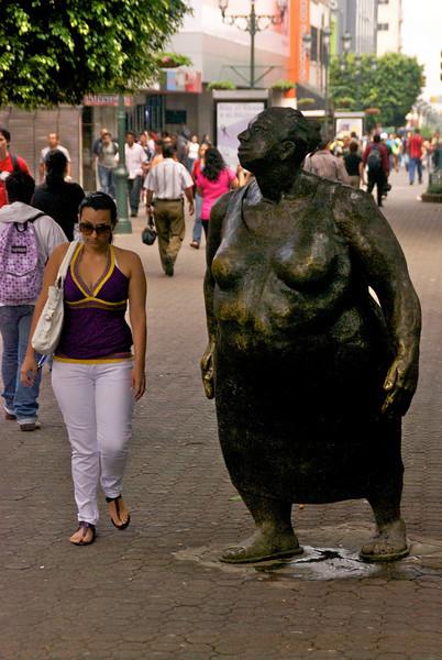 Avenida Central Statue