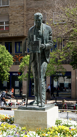 Statue of Eduardo Jimeno Correas