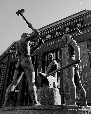 Three Smiths Statue - Helsinki