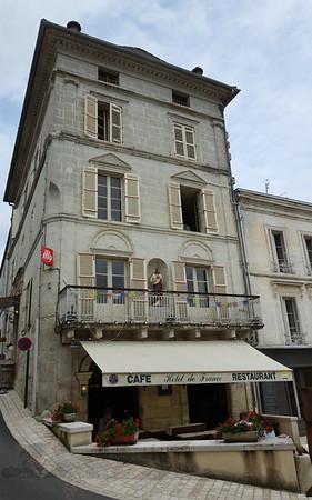 Aubeterre sur Dronne - Street Scene - France