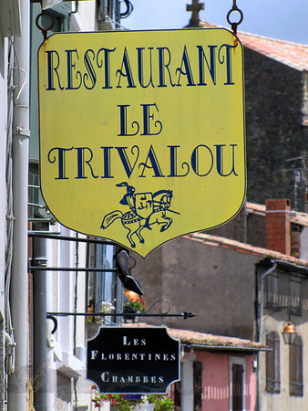 Restaurant Le Trivalou Sign