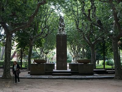 """Monumento a los Oscenses Muertos en Guerra""  (Memorial to The Huesca War Dead)  by Angel Orensanz"