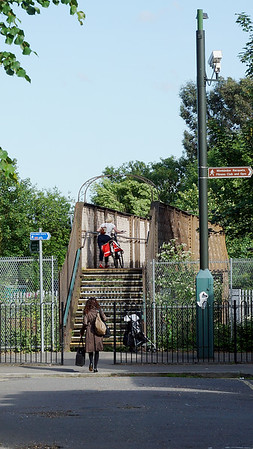 Alt Grove - Railway Bridge - Wimbledon
