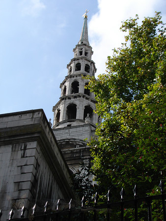 Fleet Street - St Brides Church Designed by Sir Christopher Wren in 1672 -  The Tiered Steeple is said to have inspired a baker, William Rich to create the Tiered Wedding Cake for his own Wedding - London - 2009
