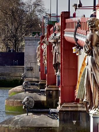 Vauxhall Bridge - Upstream Bronze Statues