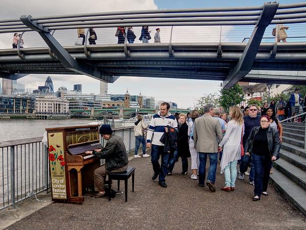 Bankside - Street Piano