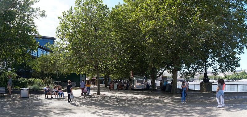 Southbank - Riverside Walk - Airstream Cafe