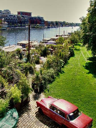 Kingston upon Thames - Mercedes Benz