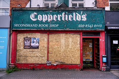 Copperfield's Book Shop Boarded Up - 2019