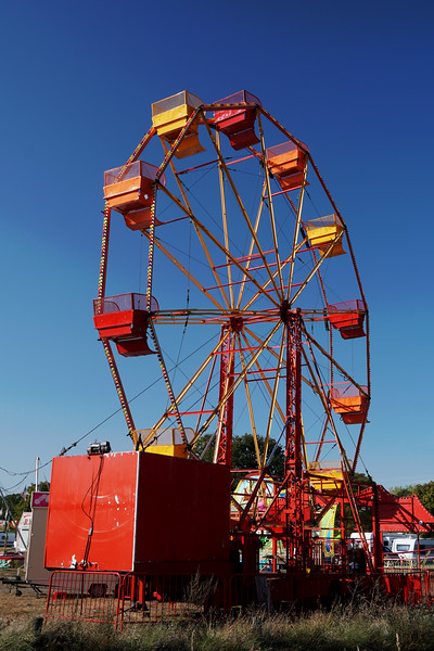 Fair Setting Big Wheel up on Wimbledon Common September 2019