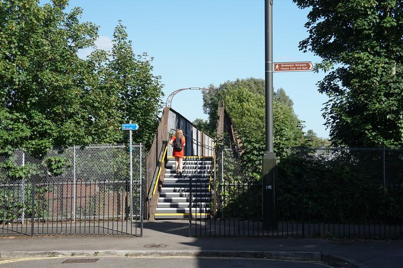 Alt Grove - Pedestrian railway Bridge