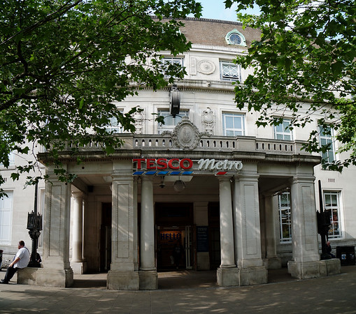 Tesco Extra - Centre Court Shopping