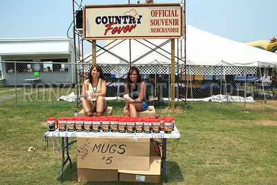 PEOPLE OF COUNTRY FEVER 2007_0609-016