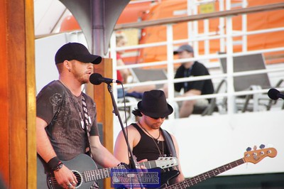 BRANTLEY GILBERT SIMPLE MAN CRUISE 2011