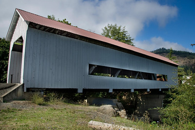 Horse Creek Covered Bridge - This bridge is located in the middle of Myrtle Creek in the Mill Site Park.