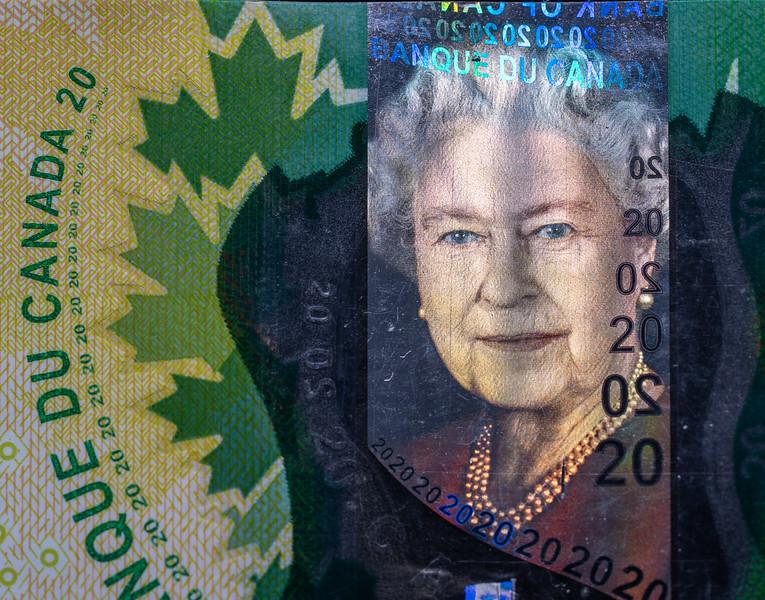 Hologram of Queen Elizabeth on $20 Bill