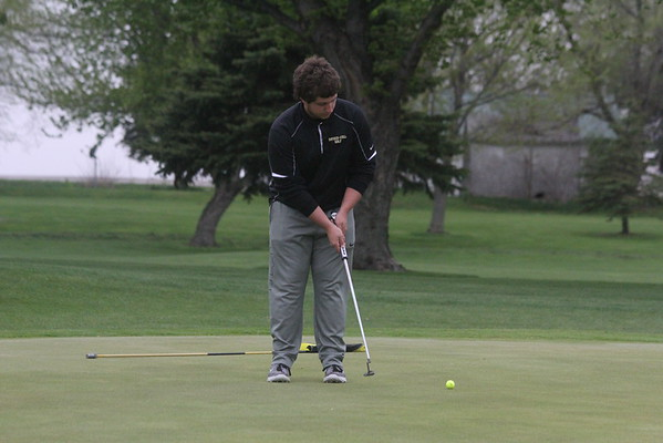 COmets' boys golf at Rock River 4-26
