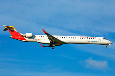 Air Nostrum Bombardier CL-600-2E25 CRJ-1000 EC-LJX 11-18-18