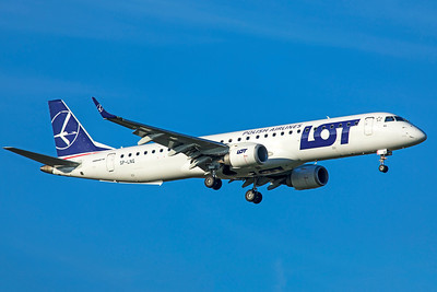 LOT Embraer ERJ-190-200LR SP-LNG 11-18-18