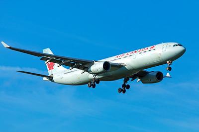 Air Canada Airbus A330-343 C-GHKX 11-18-18