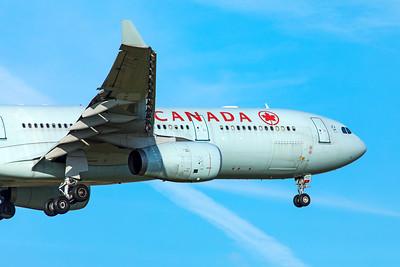 Air Canada Airbus A330-343 C-GHKX 11-18-18 2