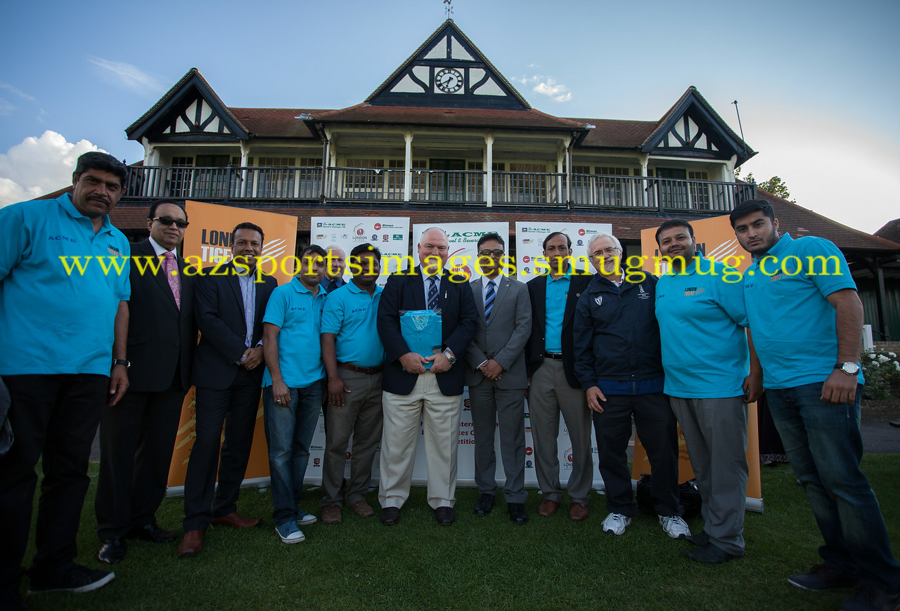 LONDON TIGERS organisers of the ACME London Sixes with the event sponsors and sepcial guest former England Cricket MIKE GATTING