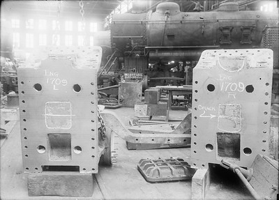2018.18.GP.004--philip weibler collection 5x7 glass plate neg--CRI&P--steam locomotive 2-8-0 C-43 1709 cylinder castings awaiting repair at company shops--Silvis IL--no date