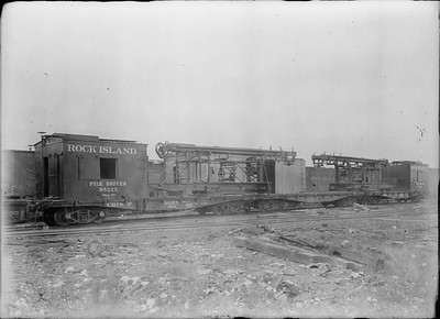 2018.18.GP.020--philip weibler collection 5x7 glass plate neg--CRI&P--piledrivers 95225 and 95226 at company shops --Silvis IL--no date