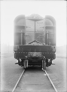 2018.18.GP.012--philip weibler collection 5x7 glass plate neg--CRI&P--business end of steam locomotive tender at company shops--Silvis IL--no date