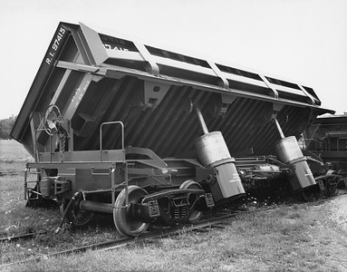 2020.016.W.006--phil weibler collection 8x10 print--CRI&P--side dump 97415 (Differential Steel Car)--Findlay OH--1966 0000