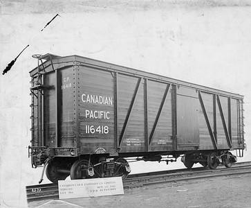 2020.016.OF.001--phil weibler collection 8x10 print--CP--wooden boxcar 116418--location unknown--1912 1014