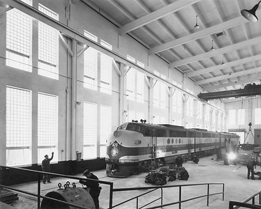 2020.016.OD.004--phil weibler collection 8x10 print [Hedrich-Blessing]--GN--new diesel shop interior view--Havre MT--1945 0000
