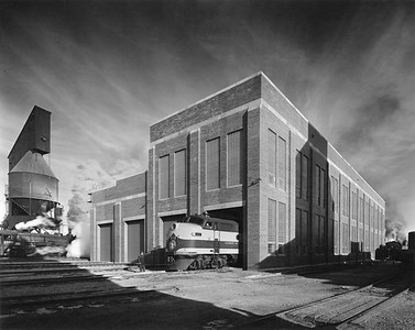 2020.016.OD.002--phil weibler collection 8x10 print [Hedrich-Blessing]--GN--new diesel shop exterior view--Havre MT--1945 0000