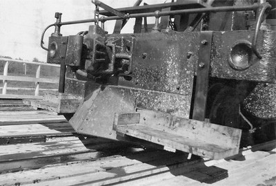 2020.016.S.037--phil weibler collection 2.5x3.5 print--CRI&P--steam locomotive 4-6-0 T-31 1559 front view of footboards installed on pilot--location unknown--no date