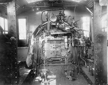 2020.016.S.001--phil weibler collection 8x10 print--B&O--ALCO steam locomotive 0-6-0 386 cab interior--builders photo--no date