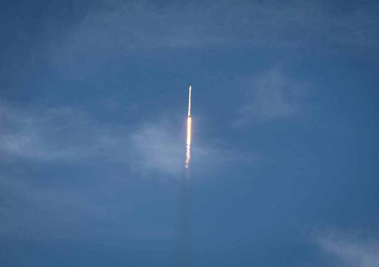 Falcon 9 and Dragon into the blue