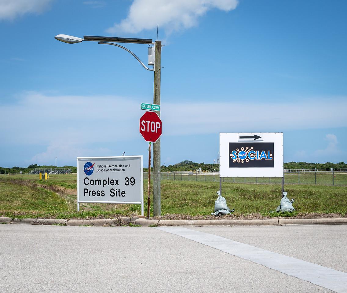 Complex 39 Press Site - NASA Social signs