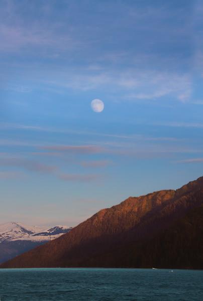 Un-Cruise Adventures, Full Moon Over Endicott Arm