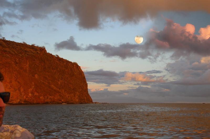 Hawaii, UnCruise Adventures, Full Moon Over Lanai