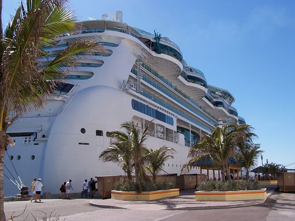 "RCCL  ""Jewel of the Seas"""