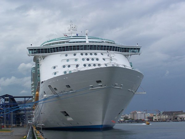 "RCCL  ""NAVIGATOR OF THE SEAS"""