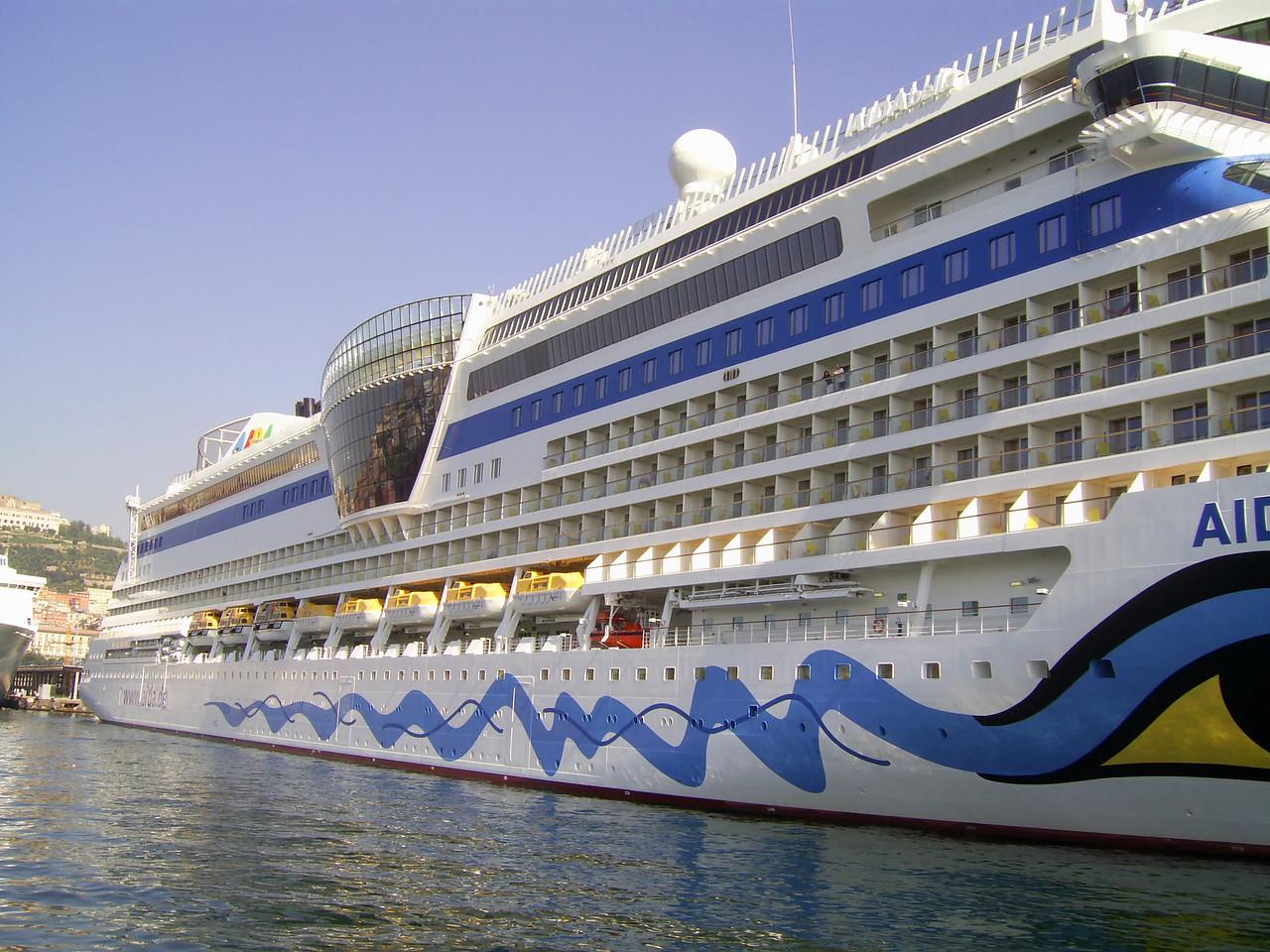 2010 - M/S AIDA BELLA in Napoli.