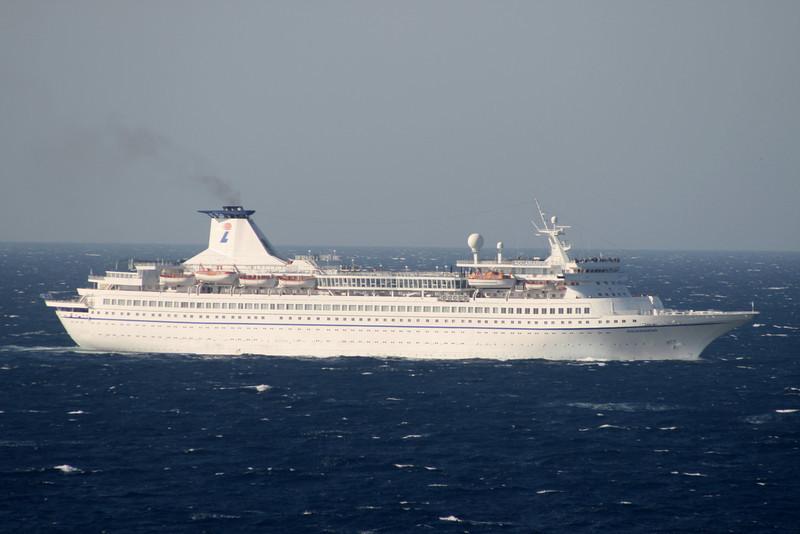 AQUAMARINE sailing in Aegean Sea.