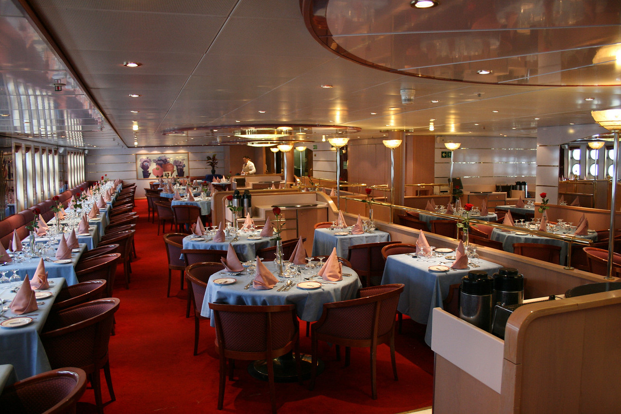 On board M/S ATHENA : Olissipo restaurant.