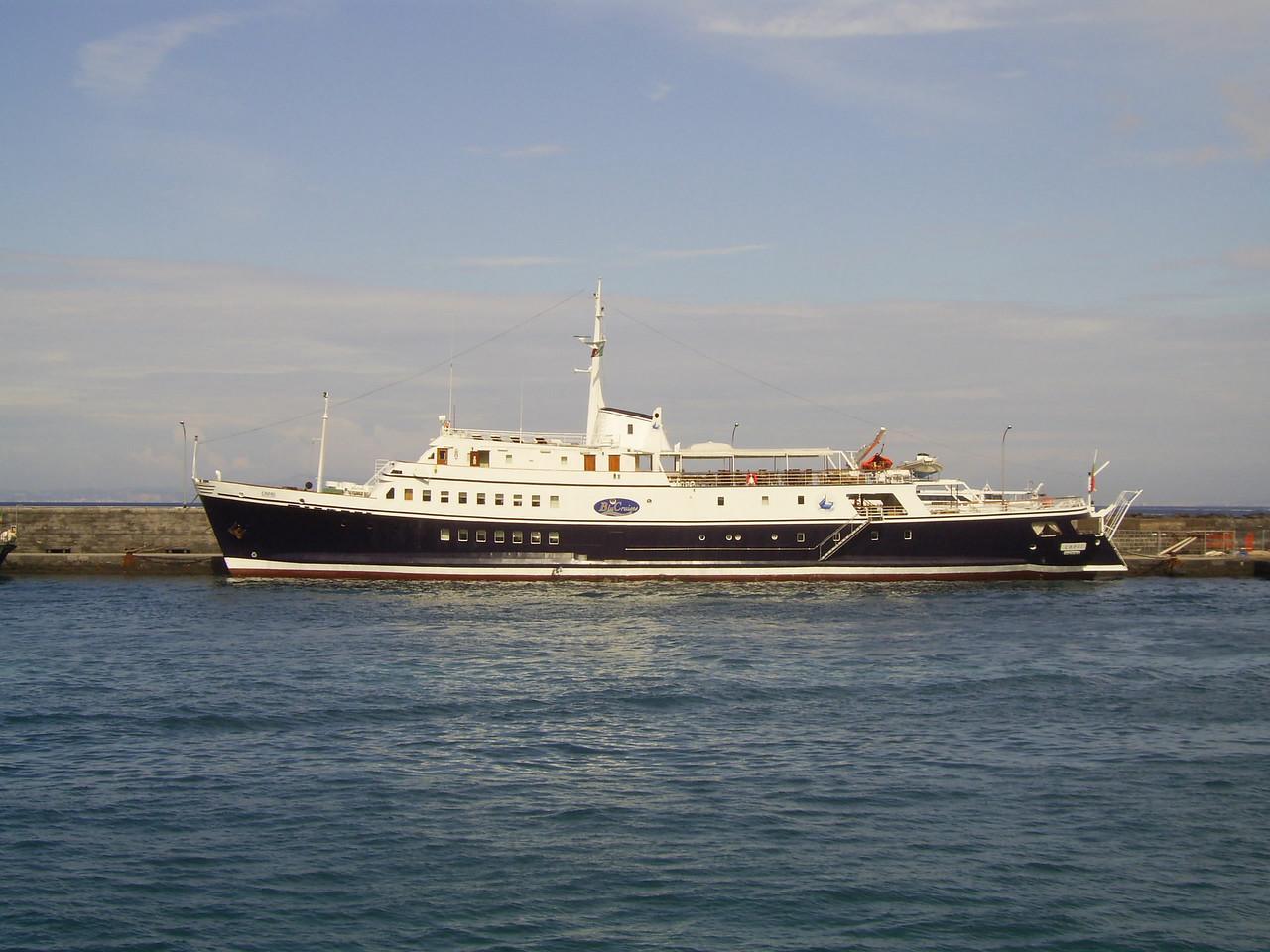 M/S CAPRI : a small cruise to Capri.