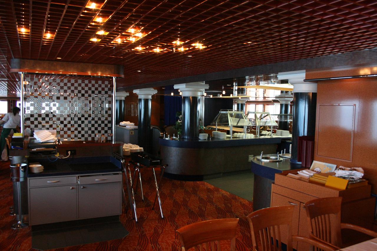2011 - On board M/S C.COLUMBUS : Restaurant, deck 3.