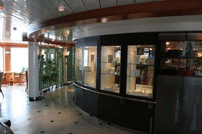 2011 - On board M/S C.COLUMBUS : Boutique, deck 5.