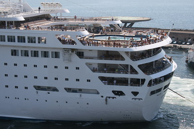 M/S COSTA EUROPA : pool area and stern.