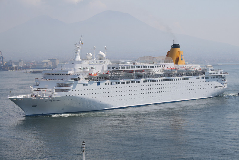 M/S COSTA EUROPA arriving to Napoli.
