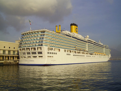 M/S COSTA LUMINOSA in Napoli.